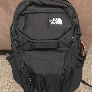 New black north face backpack